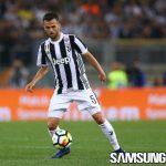 Diincar Man City dan Barcelona, Pjanic Pilih Bertahan di Juventus