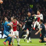 Merasa Tidak Terima, Pelatih Ajax Mempertanyakan Gol Dianulir Wasit