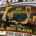 Sukses Bawa Arema FC Juara, Hamka Hamzah Dinobatkan Jadi Pemain Terbaik Piala Presiden 2019