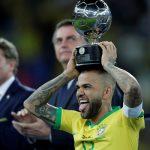 Gabung Manchester City Dani Alves Akan Reuni Dengan Pep Guardiola