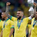 Dani Alves Bisa Saja Balik ke Juventus atau Barca, tapi…
